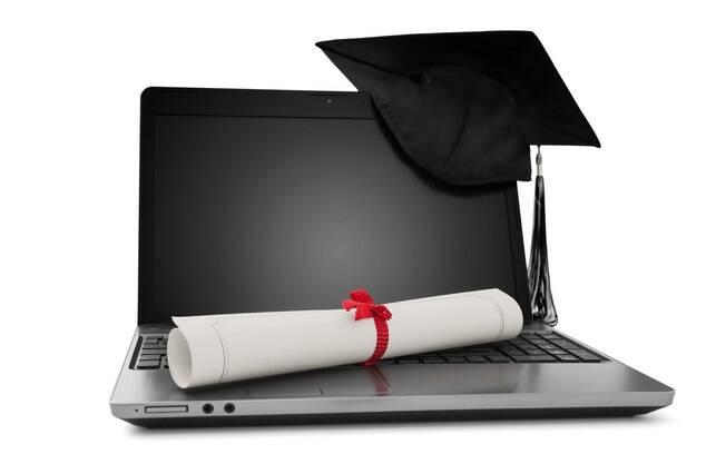 O diploma da graduação a distância tem a mesma validade do que o da presencial