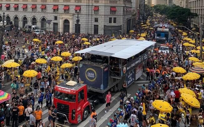 Bloco no pré-carnaval de São Paulo