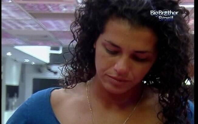 Noemí avisa os brothers que irá embora do reality brasileiro na quarta-feira (21) pela manhã