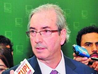Sob ataque, Cunha é defendido por aliados e aplaudido por empresários