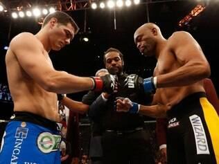Anderson Silva recebeu quase R$ 470 mil a mais que o campeão Chris Weidman