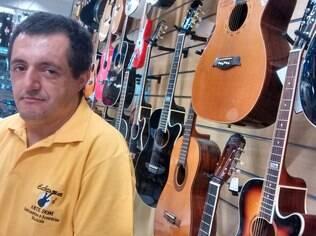 Paulo Aguiar dos Santos, vendedor da rua Teodoro Sampaio: 'Tudo made in China'