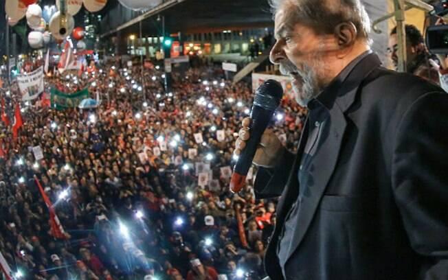 Resultado de imagem para Lula na Paulista