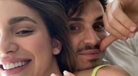Raphael Veiga anuncia noivado com irmã de Luan Santana