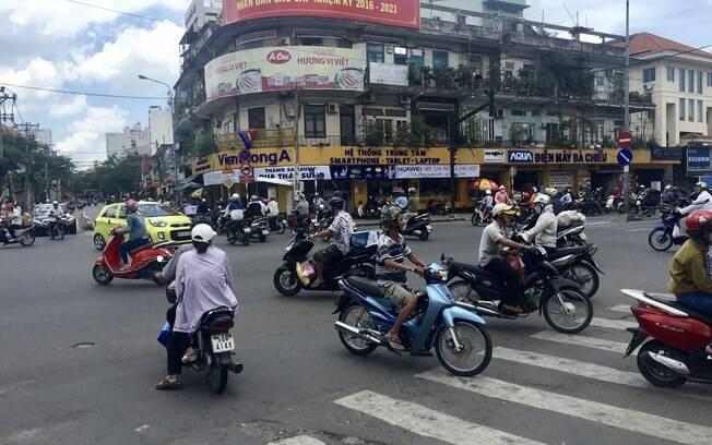 Motocicletas no centro de Ho Chi Minh