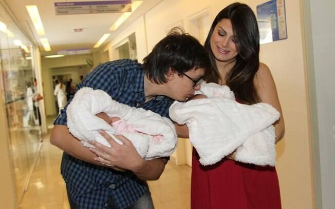 Leandro, do KLB, mostrou o carinho com as meninas