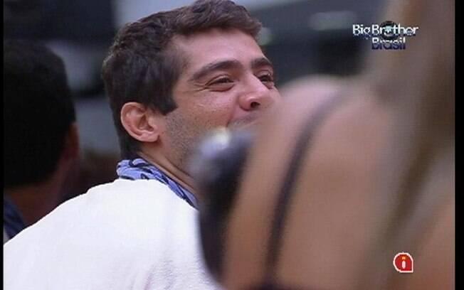 Yuri pede desculpas ao apresentador Pedro Bial ao saber que outras lideranças já haviam sido cassadas