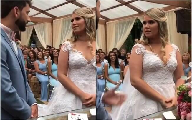 noiva e noivo no altar