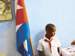 Cubanos foram às urnas para ratificar seu apoio aos candidatos do governo