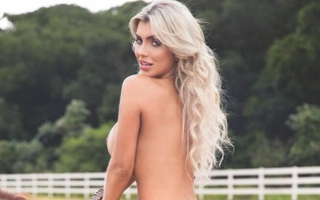Talita Cogo sagrou-se Musa de Ipanema 2017 e como prêmio ela ganhou a capa da Playboy Portuguesa