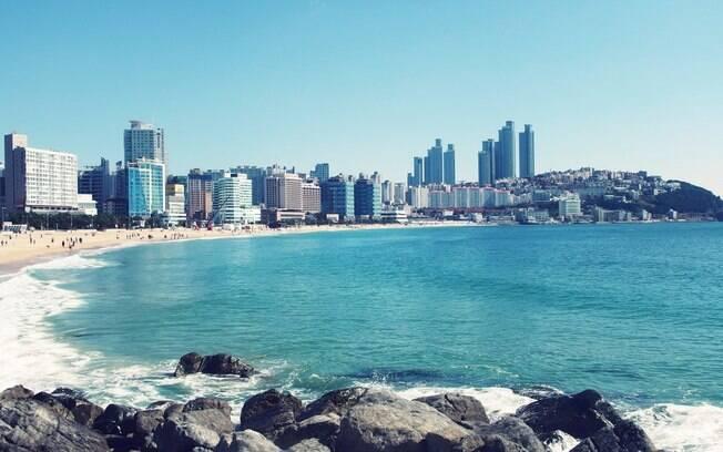 Seja no calor ou no frio, conhecer a Haeundae Beach é uma boa alternativa durante o intercâmbio na Coreia do Sul