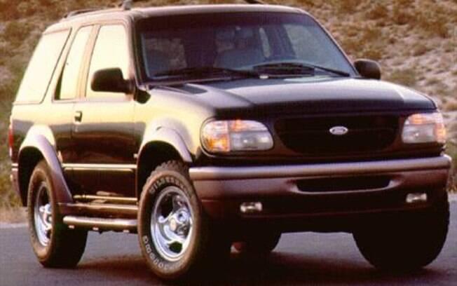 Entre os SUVs que fracassaram, o Ford Explorer não conseguiu superar o Jeep Cherokee nos anos 90