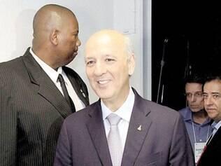Distrito Federal. Ex-governador José Roberto Arruda aguarda decisão do TSE sobre candidatura