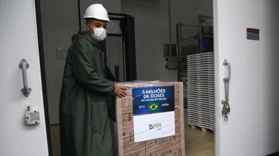 CoronaVac: Butantan entrega 3,4 milhões de doses ao Ministério da Saúde