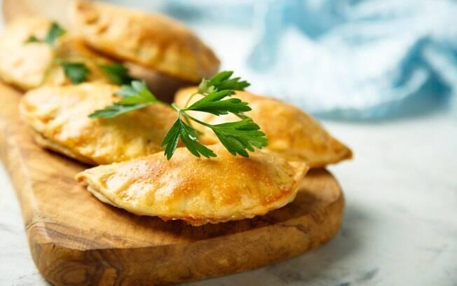 Receitas saudáveis: não fica com o mesmo gosto, mas o pastel de forno é tão gostoso quanto o pastel que é frito
