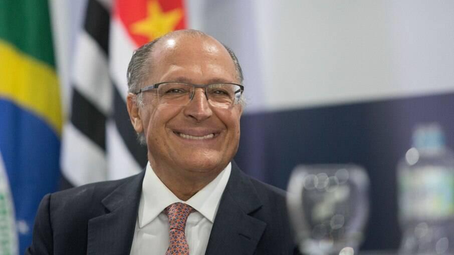 Pesquisa indica que Alckmin vence qualquer disputa de segundo turno