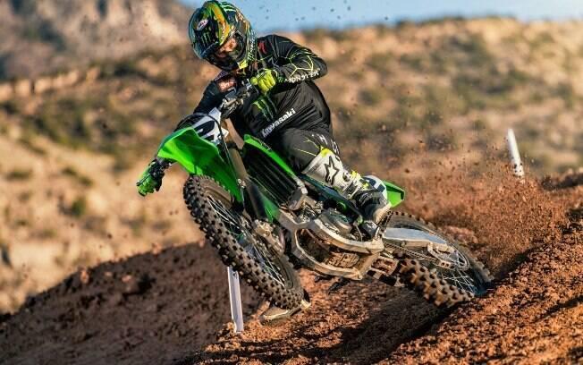 Kawasaki KX450 chega com novidades que prometem performance para os aficcionados por motocross