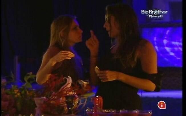 Monique e Renata falam de Rafa e Ronaldo