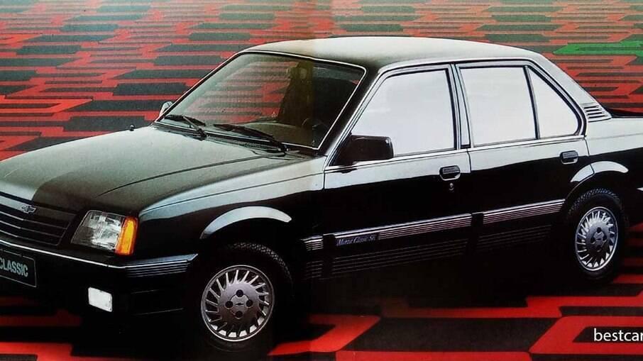 Em 1989, o Monza Classic ganhava a sigla SE.