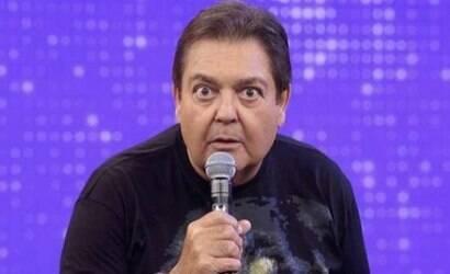 Faustão não se controla ao vivo, escancara fim e demissão da Globo