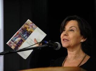 Na cerimônia de posse, Tereza Campello enfatiza investimentos na área social