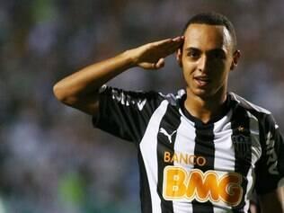 Atacante Dodô marcou o segundo gol do Atlético e se emocionou após o fim da partida