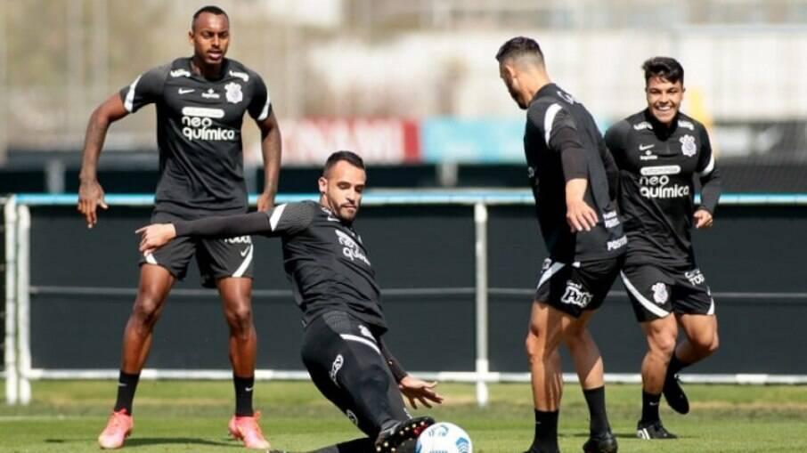 Renato Augusto foi contratado a 'peso de ouro' pelo Corinthians