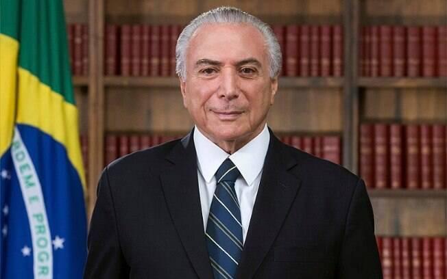 Ex-presidente Temer desembarcou na capital paulista por volta das 21h15 desta segunda-feira