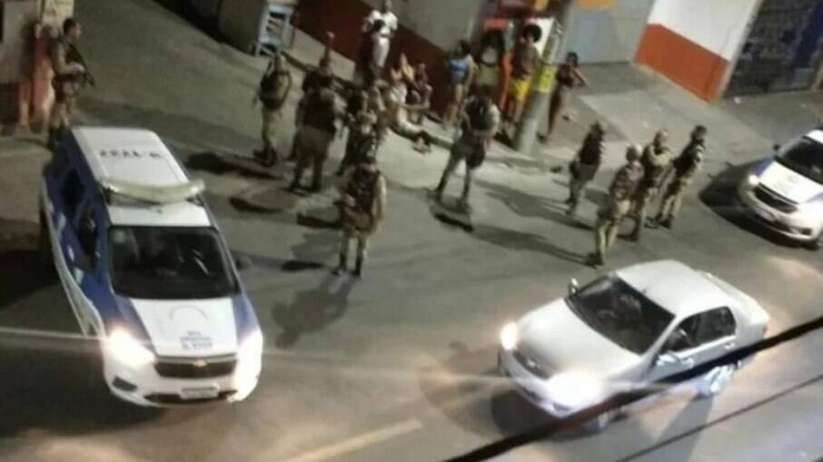 Grupo armado atira contra festa paredão e deixa mortos e feridos em Salvador