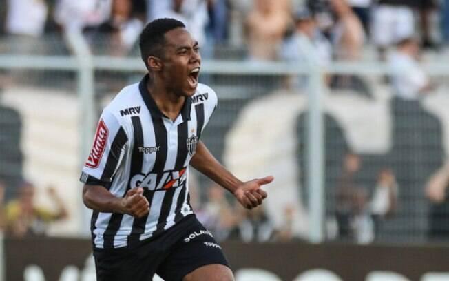 Elias comemora gol pelo Atlético-MG