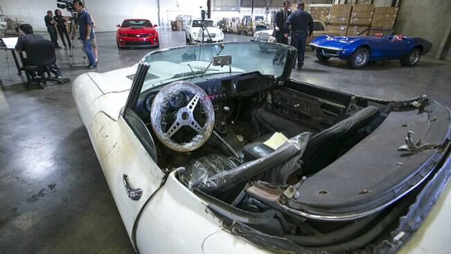 Homem recupera Jaguar 67 roubado há mais de 40 anos