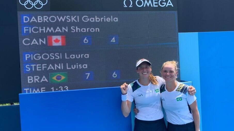Luisa Stefani e Laura Pigossi venceram na estreia das duplas do tênis