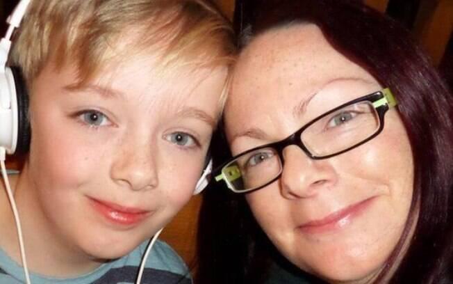 Molly-Mole Povey afirma que postou mensagem no Facebook pois seu filho não tem amigos