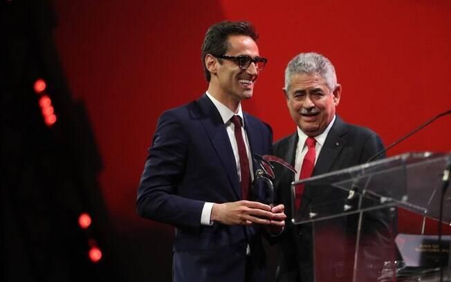 Jonas foi escolhido jogador do ano pelos torcedores do Benfica e se emocionou