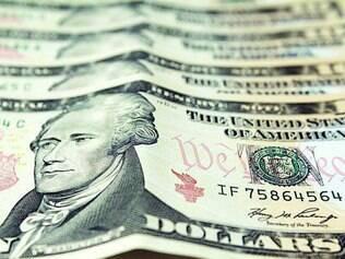 Para o alto.  Divisa dos EUA não subia tanto desde setembro de 2004, quando foi cotada a R$ 2,940