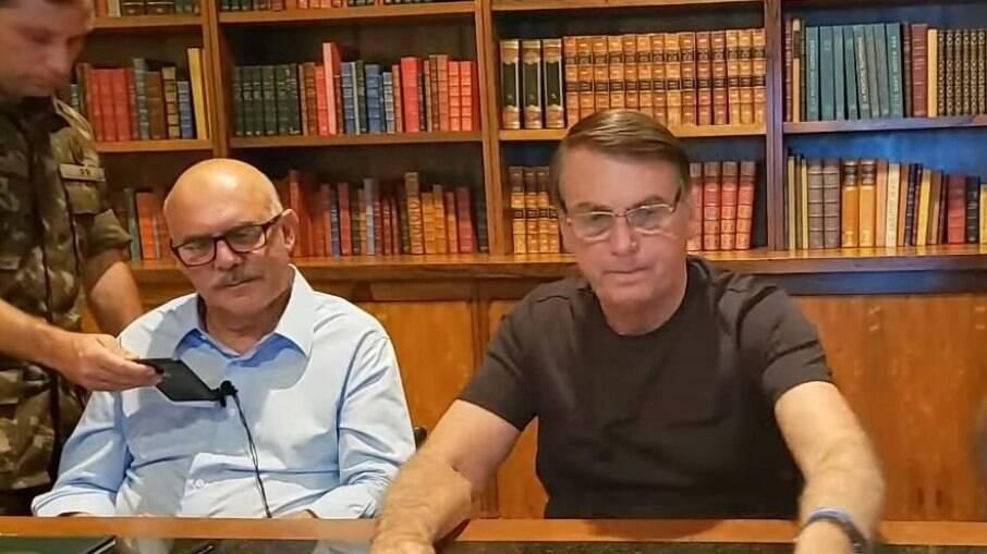 Bolsonaro na live de ontem (3)