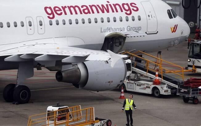 Avião Airbus A320 da empresa Germanwings, a bandeira de baixo custo que pertence à Lufthansa