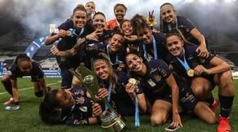 Saiba quanto o Corinthians ganhou pelo título do Brasileirão feminino