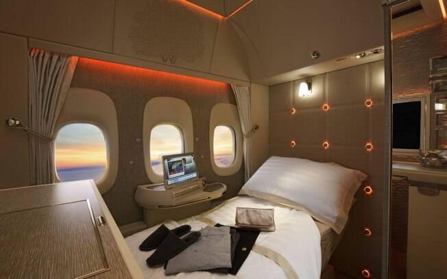 A nova cabine de primeira classe da Emirates tem de banco com sensação de gravidade zero até janelas virtuais