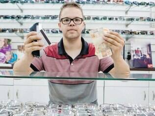 De mãos atadas. Rodrigo de Moreira, dono de ótica, diz que lojistas não têm nenhum poder de negociação com operadoras de cartão