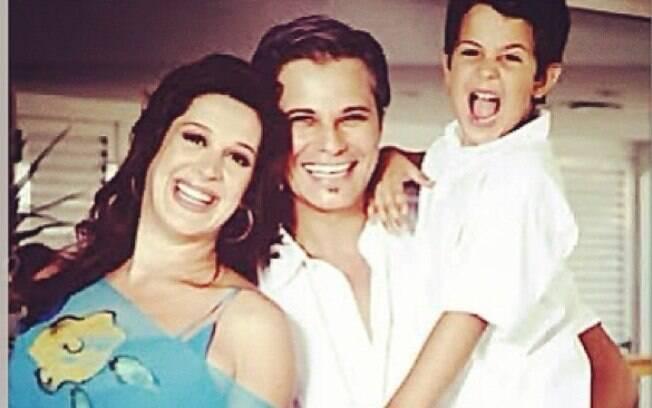 Enzo publica foto dos pais, Claudia Raia e Edson Celulari, quando eram casados. A atriz estava grávida da caçula, Sophia.