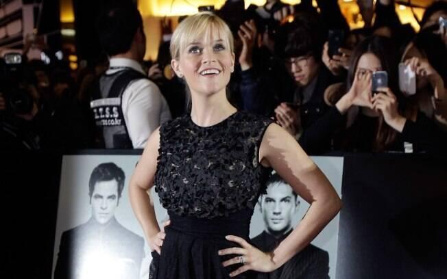 Reese Witherspoon na Coreia do Sul: dezenas de fãs tentaram chegar perto da estrela de Hollywood