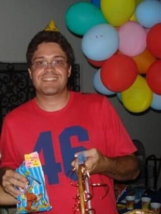 Leo Melo fez uma festinha infantil para comemorar o