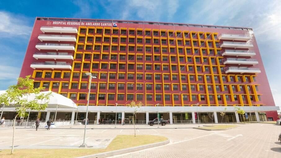 Funcionários de hospital no Pará dizem que parede falsa escondia respiradores