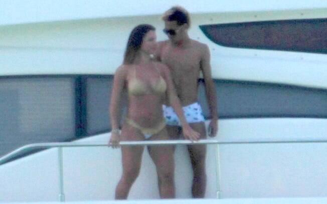 Neymar e Carol Abranches se divertem no Guarujá: novo casal?
