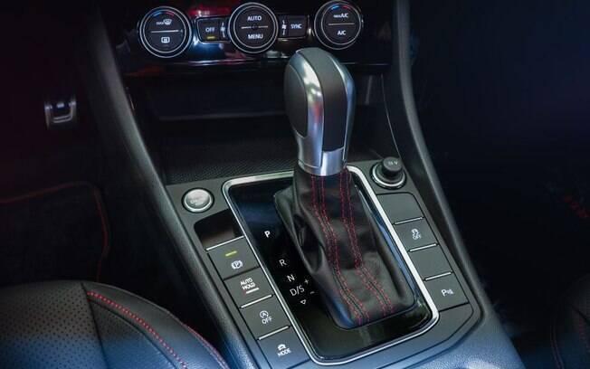 VW Jetta GLI tem transmissão do tipo DSG, a mesma do Golf GTI