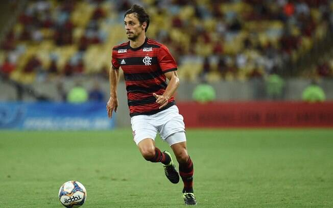 O zagueiro Rodrigo Caio está de volta à seleção