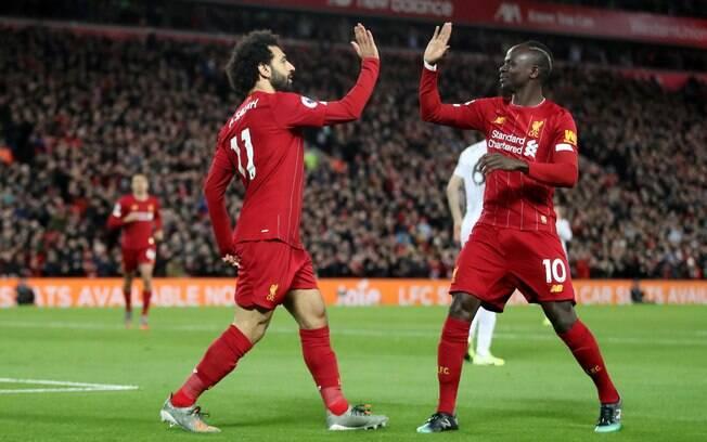 Salah e Mané marcam e Liverpool vence Sheffield por 2 a 0