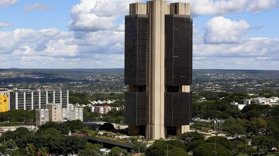 Banco Central divulgou ata do Copom nesta terça-feira (23), apontando possibilidade de retomada no segundo semestre