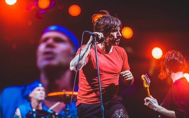 Antonhy Kiedis, vocalista do Red Hot Chili Peppers, durante show na primeira noite do Lollapalooza 2018
